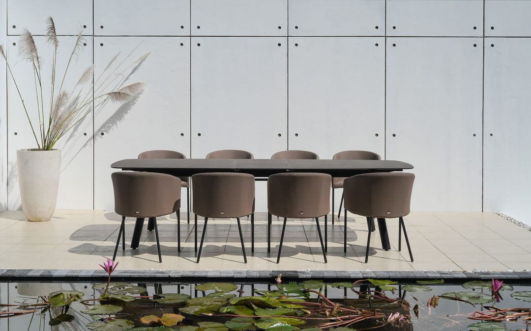 ZUPY EXTENSION TABLE & ZUPY DINING CHAIR