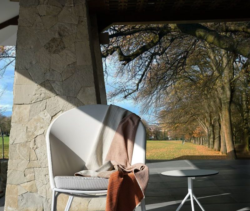 ZUPY HIGHBACK CHAIR & BONO SIDE TABLE