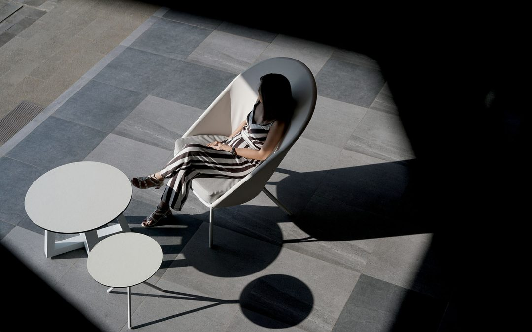 ZUPY HIGHBACK CHAIR, BONO SIDE TABLE & MONO SIDE TABLE