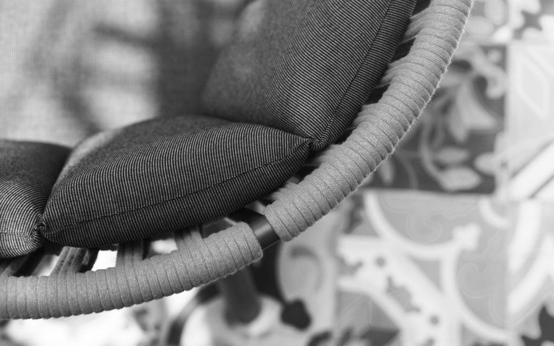 DAISY RAE detail cushion (b)