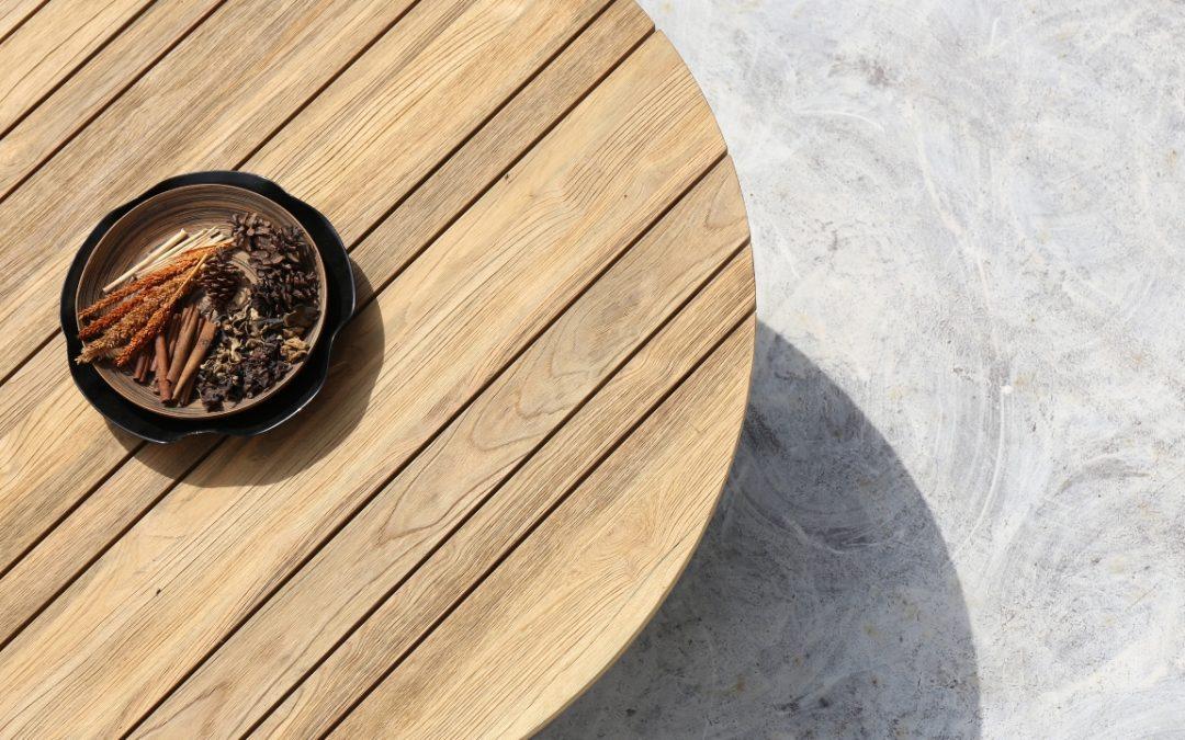 MONO LOUNGE TABLE (teak)